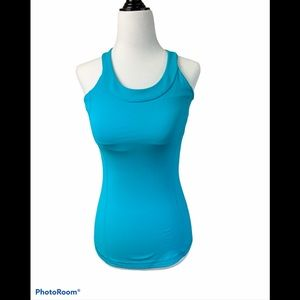 Lululemon tank top with built in bra size 4